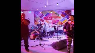 Bekijk video 2 van Latin band Resample op YouTube