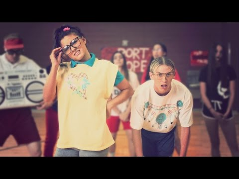 HIGH SCHOOL DANCE BATTLE III - GEEKS VS JOCKS! // ScottDW - Out My Mind