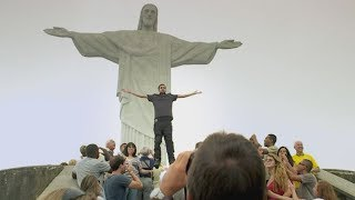 Dynamo magician floating/flying in Rio de Janeiro (MUST SEE!!!)
