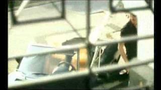 Θάνος Πετρέλης - Κερνάω (Official Video Clip)