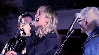 Miley Cyrus & The Doors - Roadhouse Blues (Live)