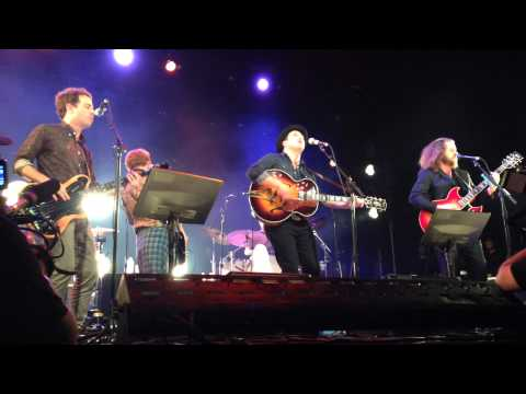 Johnny Depp Plays Guitar with The New Basement Tapes - LIVE -