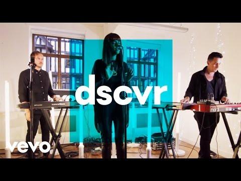 Charlotte OC - Strange - Vevo dscvr (Live)