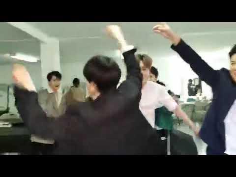 SMTOWN Live in Dubai: EXO Interview! with Super Junior