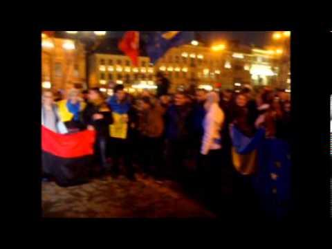 Чернівчани влаштували мітинг на підтримку євроінтеграції України