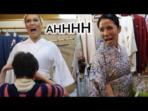My friends react to Japanese kimonos!