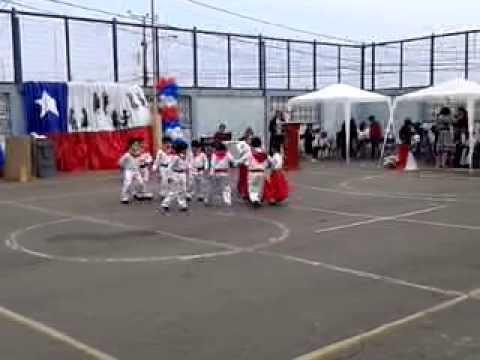 Baile ''todos juntos'' los jaivas colegio laurent clerc antofagasta 13/09/13