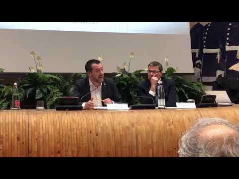 """VIDEO - Salvini: """"Vietare gli striscioni è una follia. Lo stadio deve essere colorato"""