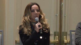 Cris Arcangeli faz palestra sobre Inovação e Empreendedorismo, no Brazil Conference - Boston