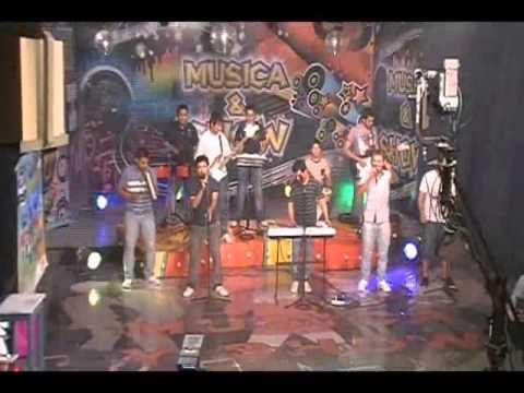 Alta Bocha y Julio de los Conti - La Guitarra como la mujer en vivo (canal 9 Recia.)