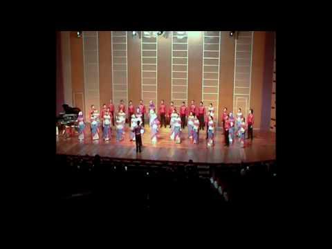 Infinito Singers of Indonesia sing Rosas Pandan
