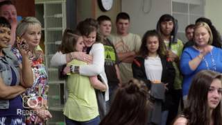 Grab the tissues! Soldier surprises daughters and his mother after 400 day deployment