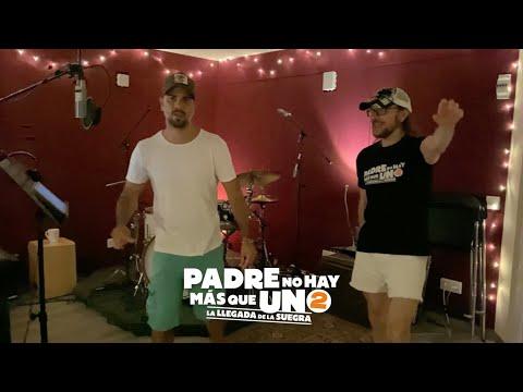 """""""Mediodía en la luna"""" canción de Santiago Segura con Efecto Pasillo. PADRE NO HAY MÁS QUE UNO 2."""
