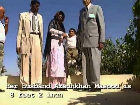 worlds tallest couple meet smallest man