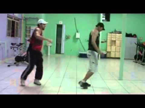 Baixar OS HAVAIANOS PARA NA PONTA DO PÉ  CIA MEGA DANCE  COREOGRAFIA PROF. CLAUDINHO MEGA.wmv