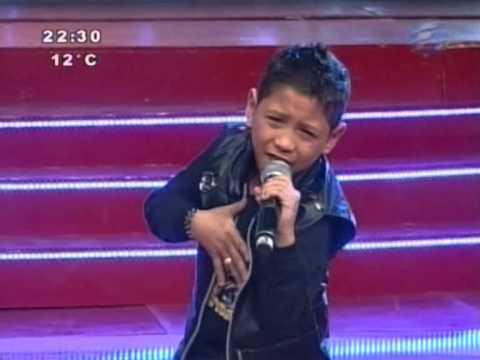 Angelo canta Aún estás en mis sueños #PequeGigantesPy