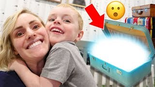 What's Inside Our VACATION BAG?! How We Pack For A Trip With 3 Kids The Best Way