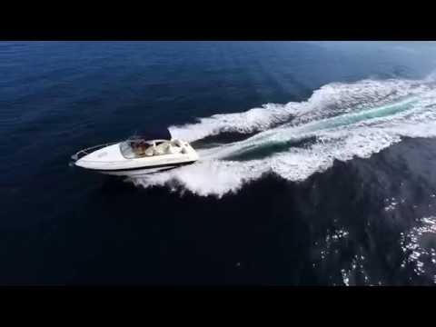 Glastron GS219 motor boat