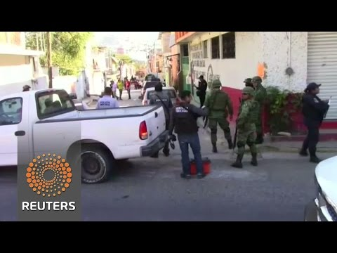 Six headless bodies found on a car roof in Mexico