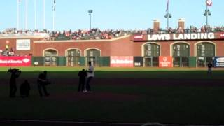 Colin Kaepernick throws first pitch before SF Giants game