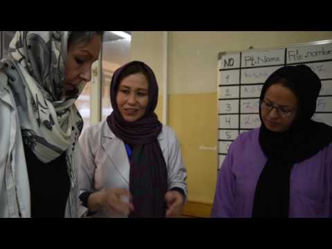 Aqila - barnmorska i Afghanistan