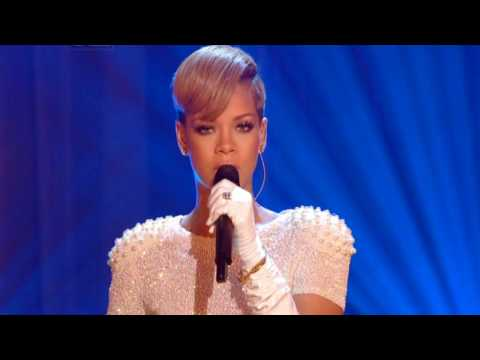 Baixar Rihanna Stay & Right Now Greatest Live Performance