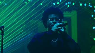 The Weeknd - Blinding Lights (iHeartRadio Jingle Ball Live Performance)