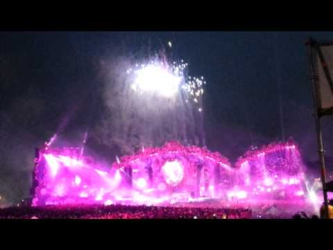 Baixar David Guetta | Tomorrowland 2014 | She Wolf (Falling to pieces)