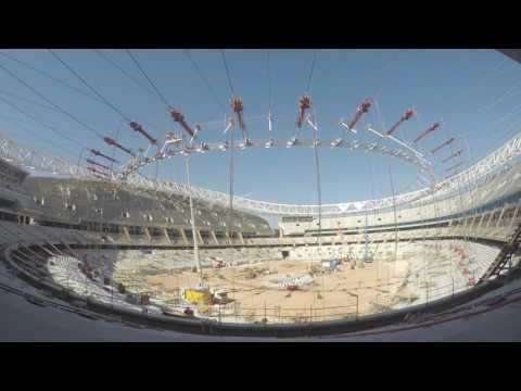 Izado y unión de anillos de tracción del estadio Wanda Metropolitano