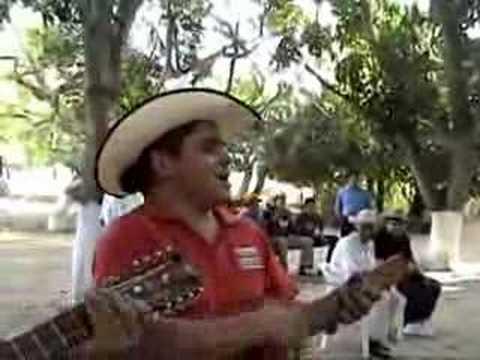 TRIO LOS HERMANOS REYES