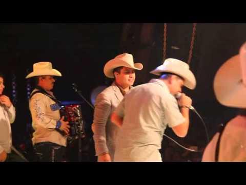JULION ALVAREZ Y RIGO MARROQUIN