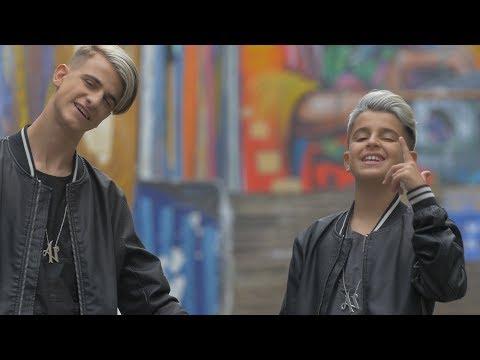 Es Amor - Adexe & Nau (Videoclip Oficial)