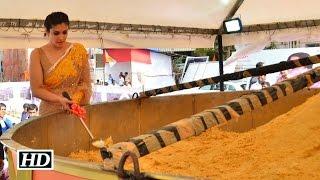 Raveena Tandon unveils record-breaking laddu..