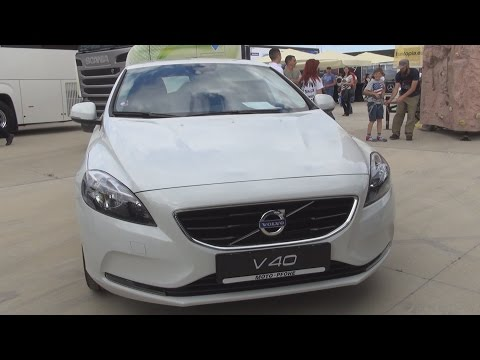 Volvo V40 D2 Momentum 120 hp Auto (2016) Exterior and Interior in 3D