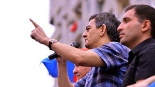 Баку: оппозиция требует отмены референдума