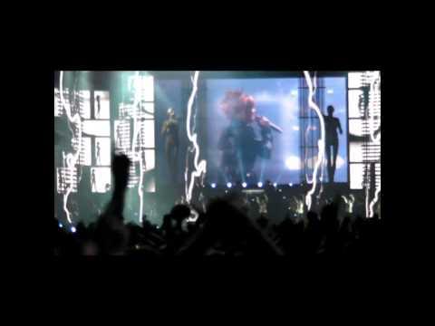 Mylène Farmer au stade de france C'est dans l'air version non censurée...HD