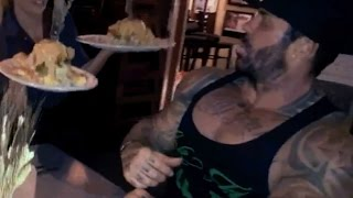MAN vs FOOD - HASH HOUSE A GO GO - EATING CHALLENGE - 5 %ERS vs FOOD - Rich Piana