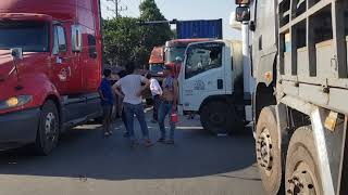 Lại kẹt xe và tai nạn giao thông trên con đường tử thần