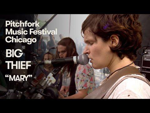 "Big Thief Perform ""Mary"" | Pitchfork Music Festival 2018"