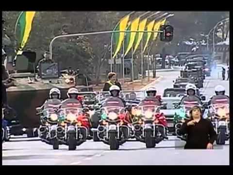 Baixar Dilma desfila ao som de Show das Poderosas em Brasília - 7 de Setembro