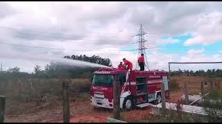 Corpo de Bombeiros de Charqueadas é acionado para combater incêndio atrás da subestação da CEEE