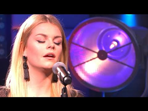 Davina Michelle covert What About Us van P!nk - RTL LATE NIGHT