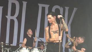 Andy Black plays 'Ribcage' at Warped Tour 2017 in Salem, OR