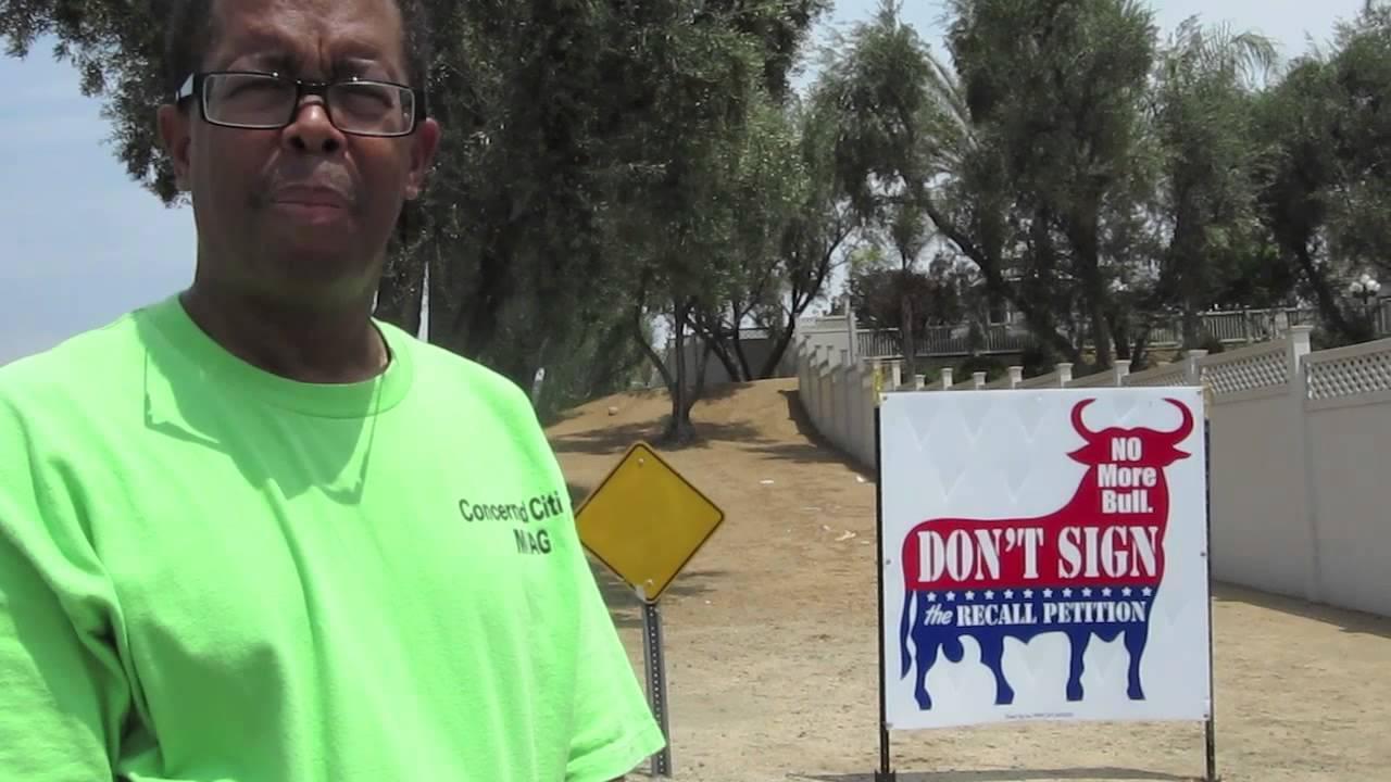 MORENO VALLEY: Groups Protest Anti-recall Signs - Smashpipe News Video