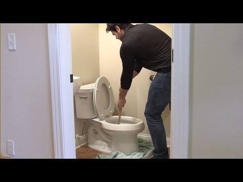 How To Unclog a Toilet - eFaucets.com