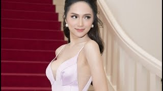 Hoa hậu chuyển giới Hương Giang khoe đôi gò bồng đảo căng đầy tại event