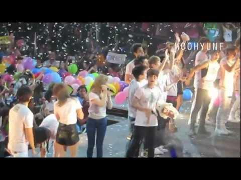 [FANCAM] SMTOWN 2012 FINALE (ENDING) (Yunho/Jonghyun Focus)