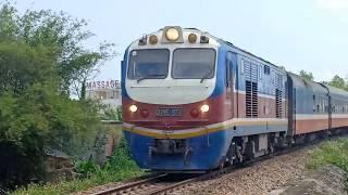 (Trains in Vietnam) - Đoàn tàu hỏa đi dọc miền đất nước thật đẹp