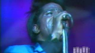 """James Brown performs """"Cold Sweat"""" at the Apollo Theater (Live)"""