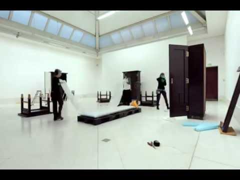"""Montering av Michelangelo Pistolettos verk """"Image and Body"""""""